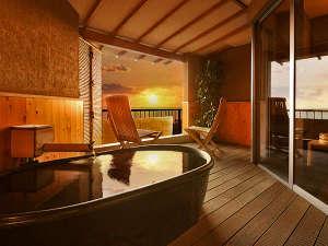 天空海遊の宿 末広:貸切露天風呂『海』では美しい三河湾を眺めながらプライベート入浴をご満喫頂けます。