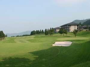 箱根湯の花プリンスホテル:緑ゆたかなゴルフ場に隣接する落着いたホテル