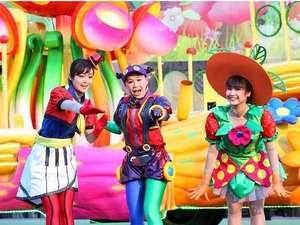 大江戸温泉物語 ホテルレオマの森:毎週土日はパレードを開催!