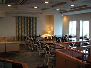 サンサイドホテル:4階レストランに隣接するロビー