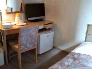 サンサイドホテル:機能的でシンプルな客室(シングル)