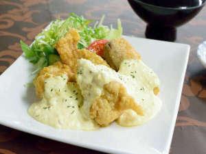 稚内サンホテル:選べる夕食メニュー一例。和…チキン南蛮。メニューは2週間に1回更新致します。