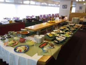 交流促進センター 幽泉閣:品数豊富な朝食バイキング