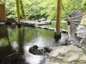 源泉掛流しの湯めぐりテーマパーク龍洞