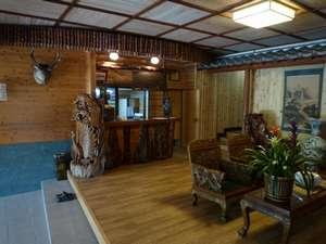 旅館 城山荘:和風の玄関ロビー