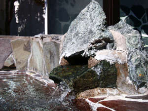 旅館 城山荘:良質で肌に吸いつくような濃厚な湯ですので、美肌効果があると言われております