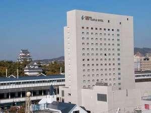 福山城とホテル