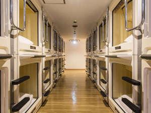 新宿区役所前カプセルホテル:カプセルルーム
