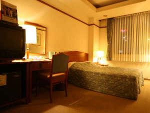 ホテル談露館