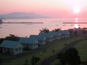 まぜのおか オートキャンプ場:水平線からの朝日に元気が湧いてきます。