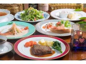 ペンション いちごみるく:食材や食器にもこだわった前菜から始まる洋食フルコースディナー