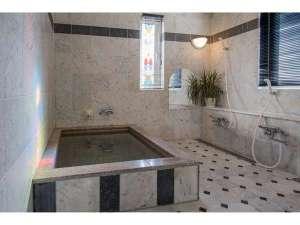 ペンション いちごみるく:天然温泉の貸切風呂はお部屋ごとに貸切で