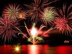 洞爺湖万世閣ホテルレイクサイドテラス:【洞爺湖ロングラン花火大会】~当館からも綺麗にご覧いただけます~