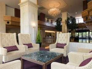 インターナショナルガーデンホテル成田:落ち着いた雰囲気の館内ロビー☆広々としていて、ロビーでも十分お寛ぎ頂けます♪