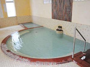 温泉ホテルつつじ荘:【温泉】泉質はアルカリ性単純温泉なのでしっとりと肌になじみ、スベスベになると好評です♪