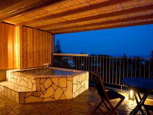 伊豆 全室露天風呂付き客室 ほまれの光 水月:客室露天風呂 星空や月を眺めながら。。。