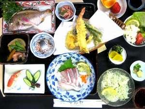 ビジネス民宿 マルセ:新鮮な地魚料理の会席(島の味会席一例)