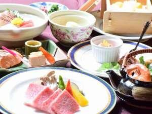 奥琵琶湖マキノグランドパークホテル:近江牛などの地元食材や旬の食材にこだわった料理