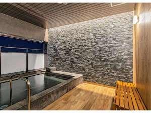 JRイン旭川:大浴場は半露天風呂もご用意。旭川の風を感じながらご入浴頂けます