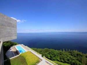 安藤建築のリゾート空間から大阪湾を一望!