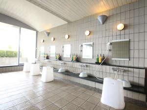 【大浴場:洗い場】シャンプバーのご用意もございます。