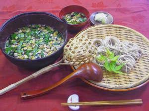 温泉宿 山荘わたり:*【夕食一例】こだわりのとうじ蕎麦をご堪能下さい♪