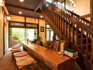 温泉宿 山荘わたり:*【ロビー】お部屋以外のスペースでもほっと一息
