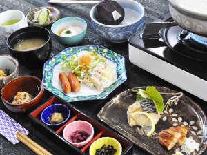 温泉宿 山荘わたり:【ご朝食】和食中心のおいしい朝食です。
