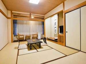 神宮会館:落ち着いた雰囲気の本館和室