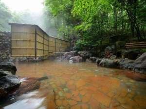 八幡平ロイヤルホテル:八幡平の四季を感じられる露天風呂♪ 松川国有林に源泉を持つ単純硫黄温泉です