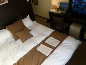 ニュービジネスホテル アルファー:デュベスタイルベット 広々クイーンサイズでカップルにも最適です! スーペリアルーム