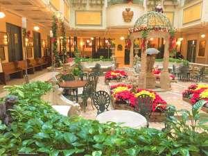 ホテルモントレ札幌:お時間のある方は、中庭での一休みもおすすめです☆彡