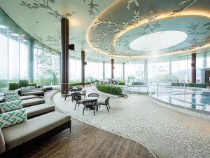 ヒルトン小田原リゾート&スパ:11種類の各種プールを備えた「バーデゾーン」