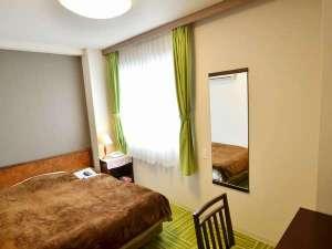 橿原オークホテル:2016年3月改装!シングルルーム(ゆったりダブルサイズ(140㎝)のベッドのシングルルーム)