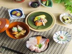 ANAホリデイ・イン金沢スカイ:【クチコミ高評価の朝食】金沢料理や人気の海鮮丼、クロワッサンなど盛り沢山!