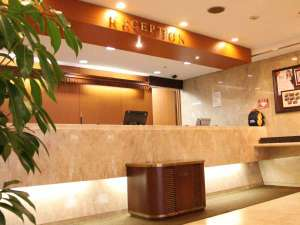 横浜国際ホテル:フロントカウンター