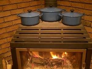 ペンション サッチモ:【冬・夕食】じっくりやわらか加熱の薪ストーブで作る煮込み料理