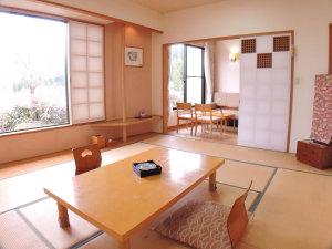 ゆのまえ温泉 湯楽里:【和室10畳一例】畳のお部屋でゆっくりお寛ぎください。