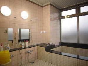 偕楽園ユースホステル:お風呂改修工事完成いたしました。