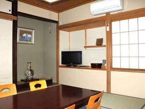 若浦屋旅館:*畳のお部屋で、ゆったりと足を伸ばして、お寛ぎ下さい。