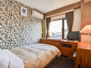 *セミダブル/約11.3平米、ベッド幅110×195。カップルやお子様連れにおすすめです