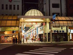 *宮崎で最もにぎわう商店街「一番街」を出てすぐの場所に当ホテルはございます♪