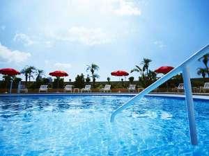 ホテルニューオータニ大阪:泳ぐ楽しさだけでなく、都会の真ん中でゆったり寛げる癒しを提供いたします。