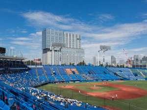 日本青年館ホテル:神宮球場から見た日本青年館ホテル