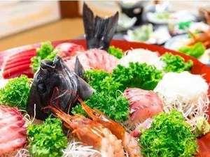 露天風呂の宿 半右衛門:漁師町ならではの豪快な料理を堪能してくださいね!