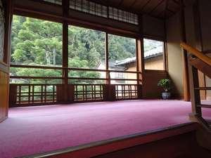 昭和初期の面影を残す館内