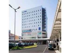 1階にはセブンイレブン、2階には銀行と大変便利です♪
