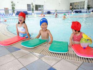 ホテルエピナール那須:一年中利用できる室内温水プール♪お天気を気にする必要ありません!