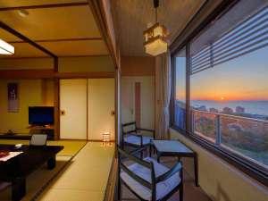 ホテル満光園:日本海に沈む夕日をお部屋から一望できます。