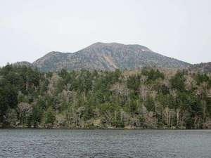 山水荘:夏の阿寒湖と雄阿寒岳